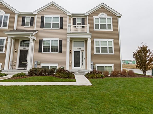 3 bed 3 bath Townhouse at 1629 Windward Dr Pingree Grove, IL, 60140 is for sale at 170k - 1 of 18