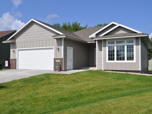 3 bed 3 bath Single Family at 512 Pine Brooke Dr Clear Lake, IA, 50428 is for sale at 265k - 1 of 21