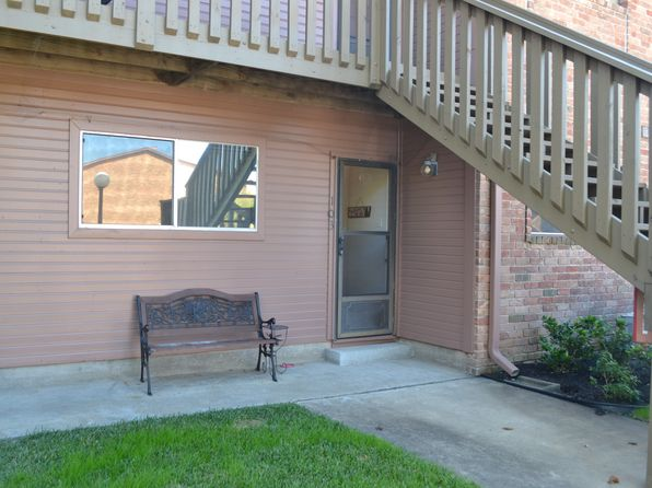 2 bed 2 bath Townhouse at 801 River Rd Montgomery, TX, 77356 is for sale at 180k - 1 of 27