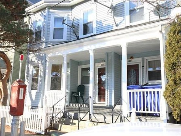 2 bed 1 bath Condo at 139 141 Brook St Brookline, MA, 02445 is for sale at 525k - 1 of 9