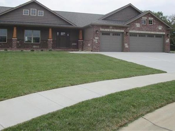 4 bed 3 bath Single Family at 1504 Sagaponak Ln Troy, IL, 62294 is for sale at 339k - 1 of 25