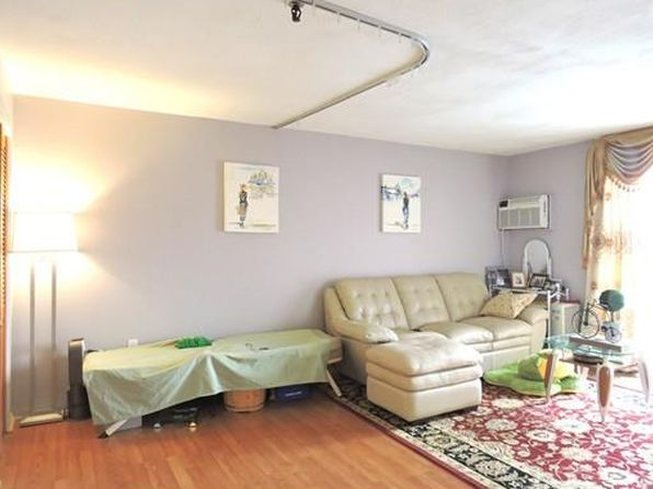 1 bed 1 bath Condo at 115 W Squantum St Quincy, MA, 02171 is for sale at 290k - 1 of 16