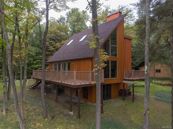 3 bed 3 bath Single Family at 9764 Savage Rd Holland, NY, 14080 is for sale at 350k - 1 of 25