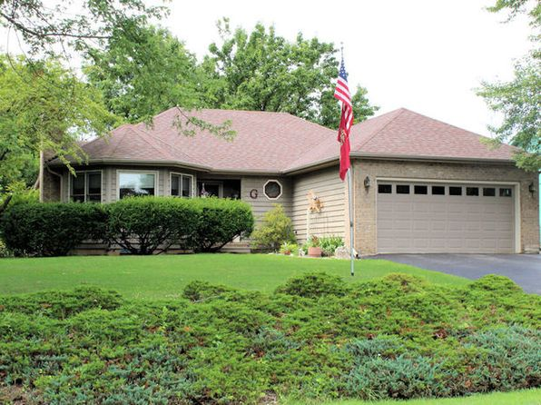 3 bed 3 bath Single Family at 349 Holiday Dr Somonauk, IL, 60552 is for sale at 210k - 1 of 26