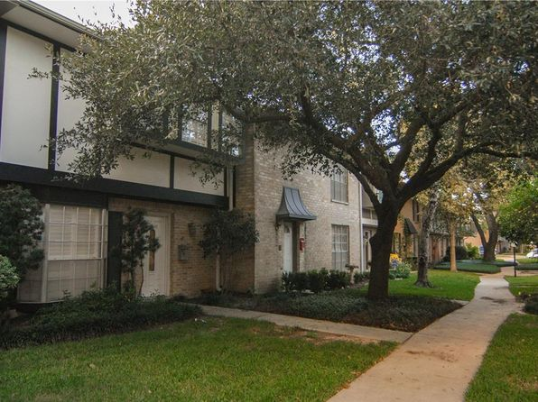 3 bed 3 bath Townhouse at 14146 Misty Meadow Ln Houston, TX, 77079 is for sale at 205k - 1 of 22