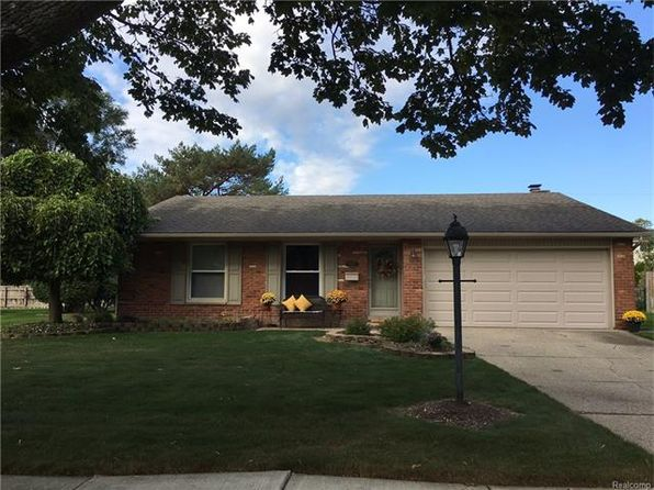 3 bed 1.5 bath Single Family at 18683 Parklane St Livonia, MI, 48152 is for sale at 230k - 1 of 22