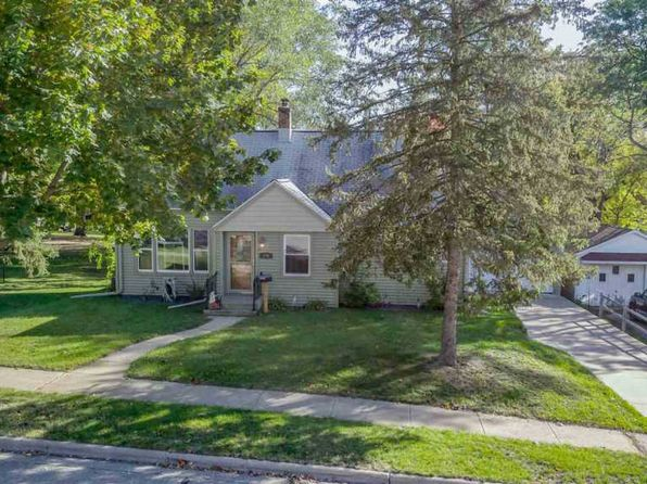 3 bed 2 bath Single Family at 176 S Adams Ave Berlin, WI, 54923 is for sale at 110k - 1 of 26