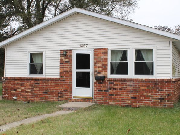 3 bed 1 bath Single Family at 1367 Roberts St Muskegon, MI, 49442 is for sale at 55k - 1 of 22