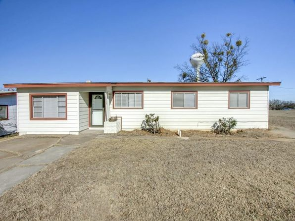3 bed 2 bath Single Family at 1023 Newby Ave Bridgeport, TX, 76426 is for sale at 115k - 1 of 25