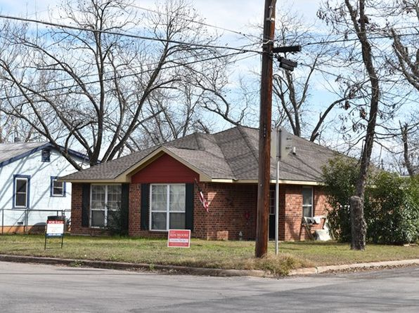3 bed 2 bath Single Family at 913 BELL ST FREDERICKSBURG, TX, 78624 is for sale at 750k - 1 of 12