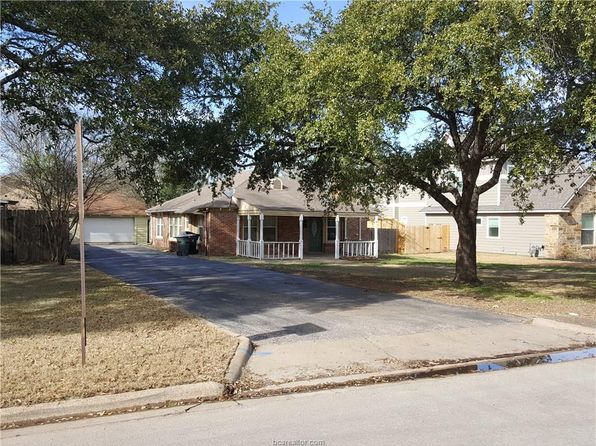 3 bed 2 bath Single Family at 703 Park Pl College Station, TX, 77840 is for sale at 337k - 1 of 11