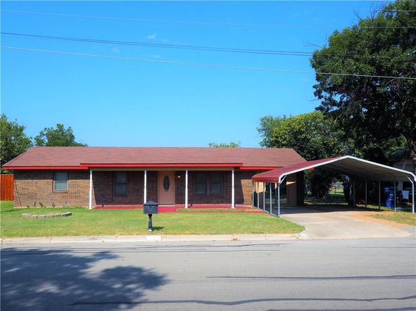 4 bed 2 bath Single Family at 2704 Vine St Brownwood, TX, 76801 is for sale at 106k - 1 of 14