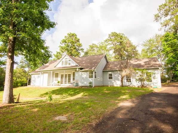 2 bed 2 bath Single Family at 120 Whitfield Ln Shepherd, TX, 77371 is for sale at 289k - 1 of 32
