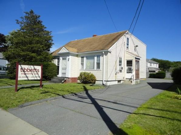3 bed 1 bath Single Family at 3088 Acushnet Ave New Bedford, MA, 02745 is for sale at 260k - 1 of 26
