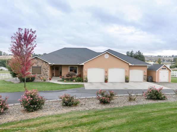 3 bed 2 bath Single Family at 140 Fedderly Ln Yakima, WA, 98908 is for sale at 400k - 1 of 21