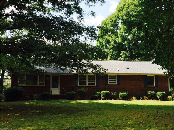 2 bed 1.5 bath Single Family at 4450 Hampton Rd Clemmons, NC, 27012 is for sale at 135k - 1 of 8