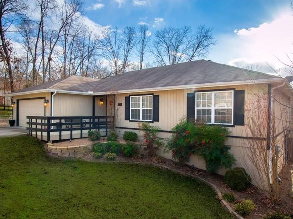 3 bed 2 bath Single Family at 83 PORTSMOUTH DR BELLA VISTA, AR, 72715 is for sale at 189k - 1 of 14