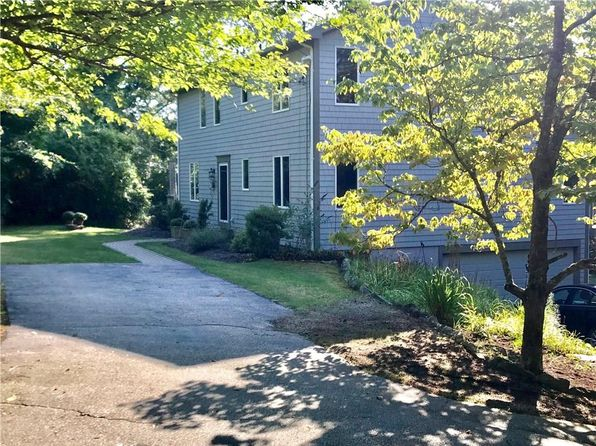 4 bed 4 bath Single Family at 1144E Curtis Corner Rd South Kingstown, RI, 02879 is for sale at 525k - 1 of 38