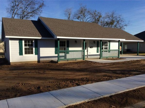 3 bed 2 bath Single Family at 608 N College St Whitesboro, TX, 76273 is for sale at 147k - 1 of 36