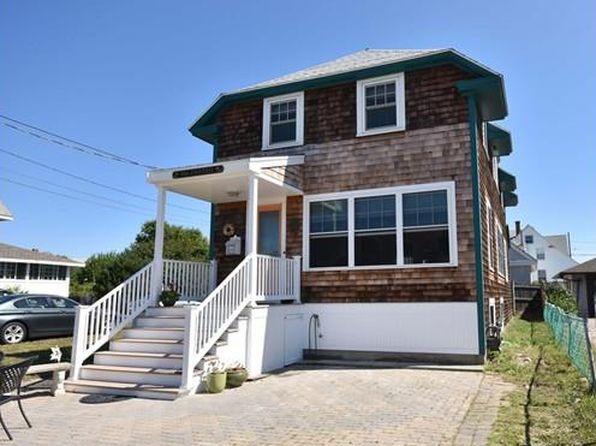 3 bed 2 bath Single Family at 86 Manomet Ave Hull, MA, 02045 is for sale at 415k - 1 of 16