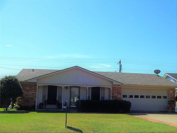 3 bed 2 bath Single Family at 1127 Cordell St Denton, TX, 76201 is for sale at 190k - 1 of 22
