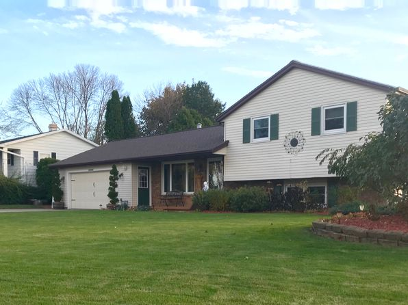 3 bed 2 bath Single Family at 2060 Bluebill St Green Bay, WI, 54311 is for sale at 180k - 1 of 29