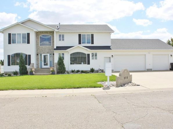 4 bed 5 bath Single Family at 840 17th St E Dickinson, ND, 58601 is for sale at 600k - 1 of 59