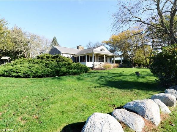 4 bed 2 bath Single Family at 10 Hilltop Ave South Kingstown, RI, 02879 is for sale at 795k - 1 of 40