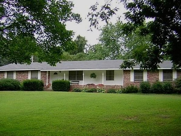 3 bed 2 bath Single Family at 1431 W MAIN ST HUNTSVILLE, AR, 72740 is for sale at 295k - 1 of 12