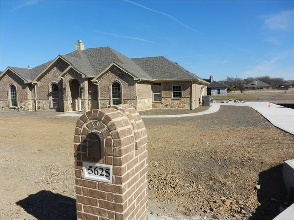 4 bed 2 bath Single Family at 5625 Foster Ct Fort Worth, TX, 76126 is for sale at 268k - 1 of 31