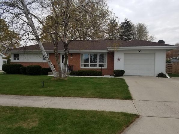 3 bed 1 bath Single Family at 2135 Richmond Ave Manitowoc, WI, 54220 is for sale at 115k - 1 of 24