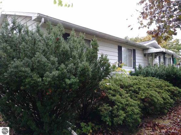 3 bed 2 bath Single Family at 631 S Jeffery Ave Ithaca, MI, 48847 is for sale at 95k - 1 of 19