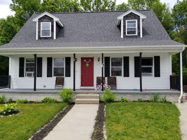 3 bed 3 bath Single Family at 27 Christopher Ct New Bedford, MA, 02745 is for sale at 255k - 1 of 24