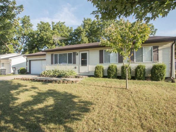 3 bed 2 bath Single Family at 221 Harvey Lawton, MI, 49065 is for sale at 117k - 1 of 2