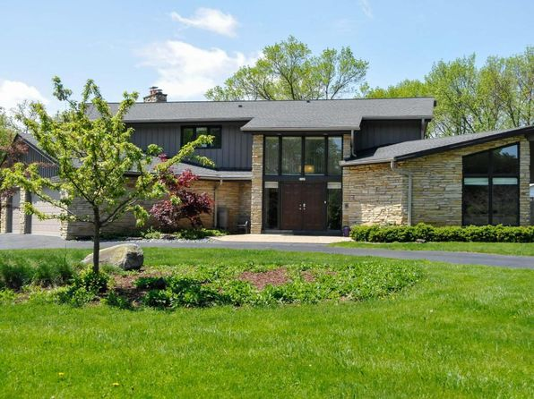 4 bed 4 bath Single Family at 2105 W Applewood Ln Glendale, WI, 53209 is for sale at 375k - 1 of 23