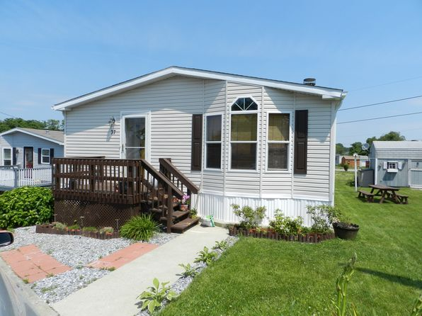 3 bed 2 bath Single Family at 37 Donna Dr Portsmouth, RI, 02871 is for sale at 155k - 1 of 15