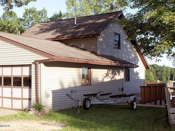 3 bed 2 bath Single Family at 3561 Holiday Dr Greenville, MI, 48838 is for sale at 200k - google static map