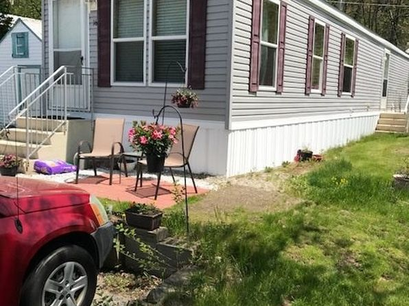 2 bed 1 bath Mobile / Manufactured at 100 Rockingham Rd Derry, NH, 03038 is for sale at 68k - 1 of 10