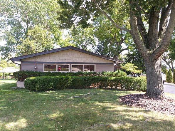 4 bed 2 bath Single Family at 64 Eastmoreland Dr Decatur, IL, 62521 is for sale at 270k - 1 of 19
