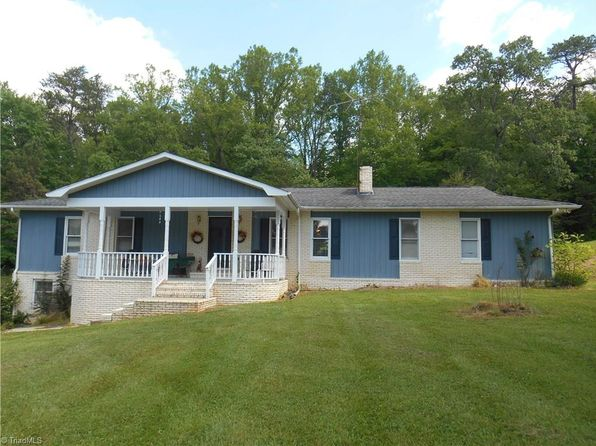 2 bed 2 bath Single Family at 185 Cedar Knoll Dr Mount Airy, NC, 27030 is for sale at 135k - 1 of 23