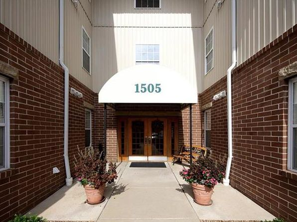 2 bed 2 bath Condo at 1505 S Old Highway 94 Saint Charles, MO, 63303 is for sale at 125k - 1 of 9
