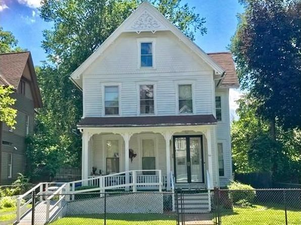 3 bed 2 bath Single Family at 64 Buckingham St Springfield, MA, 01109 is for sale at 124k - 1 of 12