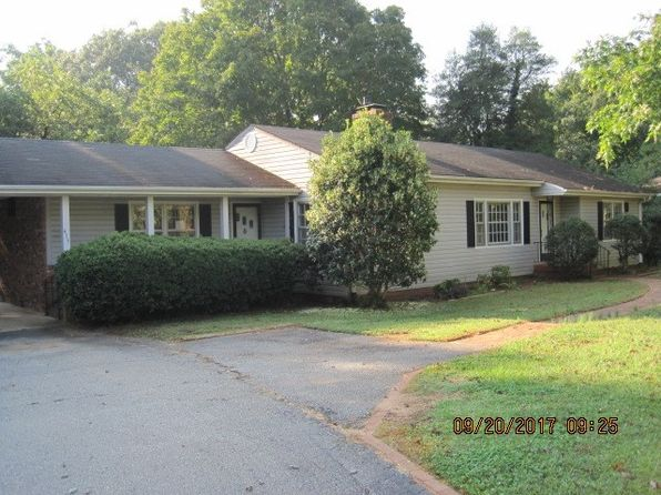 3 bed 3 bath Single Family at 435 Briarwood Rd Spartanburg, SC, 29301 is for sale at 90k - 1 of 14
