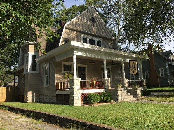 3 bed 2 bath Single Family at 1052 S Garrison Ave Carthage, MO, 64836 is for sale at 136k - 1 of 32
