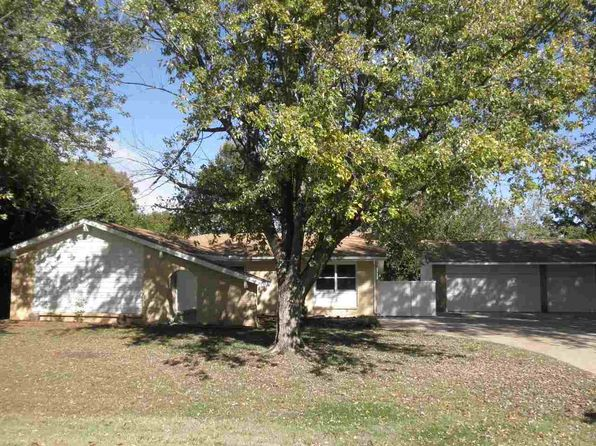 4 bed 4 bath Single Family at 3010 Cathlinda Dr Winfield, KS, 67156 is for sale at 195k - 1 of 24
