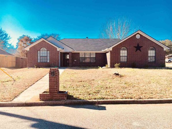 3 bed 2 bath Single Family at 1207 SAN JUAN LN WHITE OAK, TX, 75693 is for sale at 170k - 1 of 14