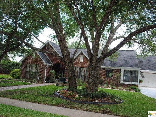 4 bed 3 bath Single Family at 103 Masters Ct Victoria, TX, 77904 is for sale at 340k - 1 of 24