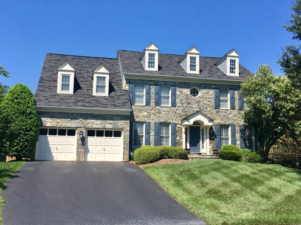 5 bed 5 bath Single Family at 2945 Oakton Knoll Ct Oakton, VA, 22124 is for sale at 1.08m - 1 of 2