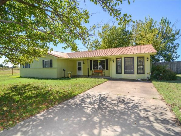 3 bed 3 bath Single Family at 452 Private Road 1094 Stephenville, TX, 76401 is for sale at 189k - 1 of 26