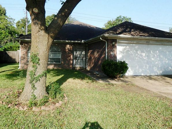 3 bed 2 bath Single Family at 12922 Townwood Dr Houston, TX, 77045 is for sale at 110k - 1 of 16